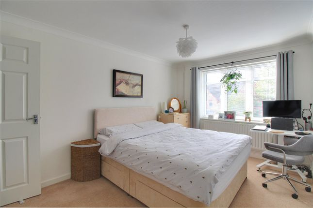 Picture No. 05 of Lorraine Road, Camberley GU15