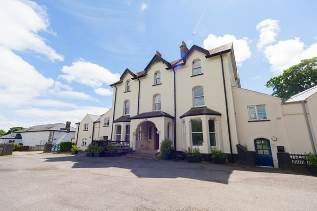 Thumbnail Flat to rent in 2/3 Bed Townhouse, Milton Manor. Milton, Tenby