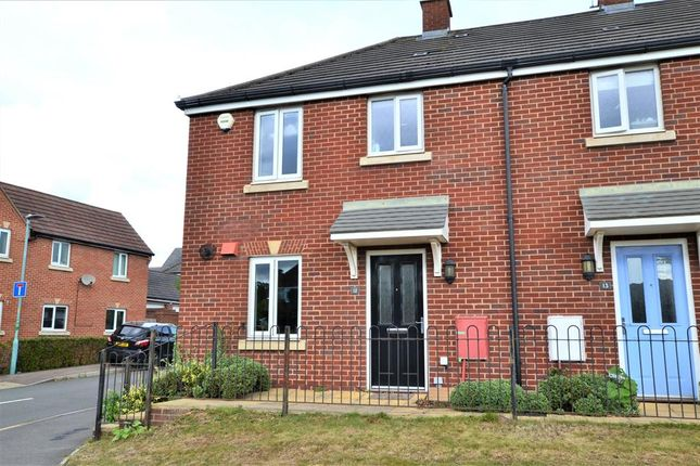 3 bed end terrace house to rent in Lea Walk, Hucclecote Road, Hucclecote, Gloucester GL3