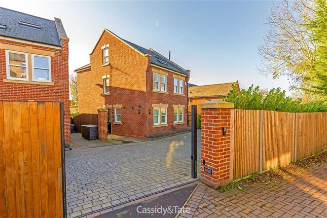 Thumbnail Detached house to rent in Verulam Road, St Albans, Hertfordshire