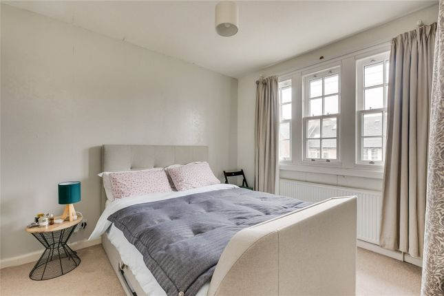 Bedroom of Coteford Street, London SW17