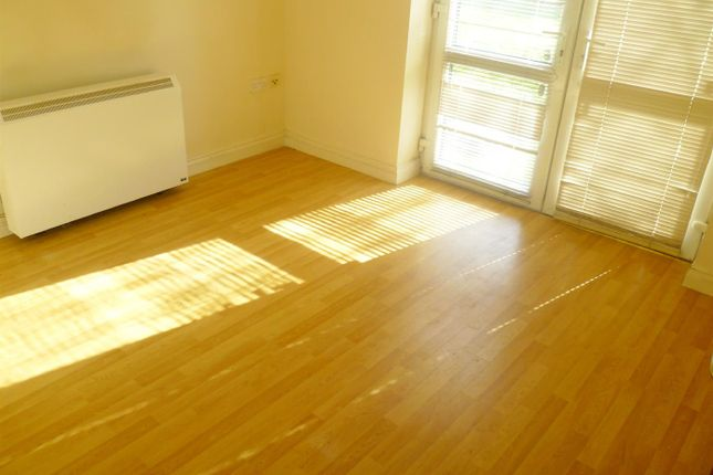 Thumbnail Flat to rent in Little Moss Lane, Clifton, Swinton, Manchester