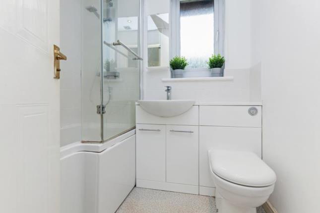 Bathroom of Robertson Avenue, Renfrew, Renfrewshire PA4