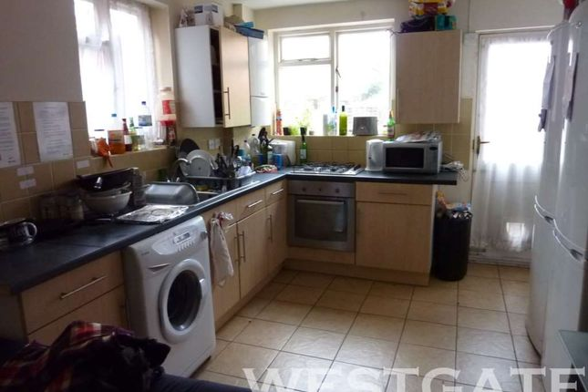 Thumbnail Terraced house to rent in Culver Road, Earley, Reading