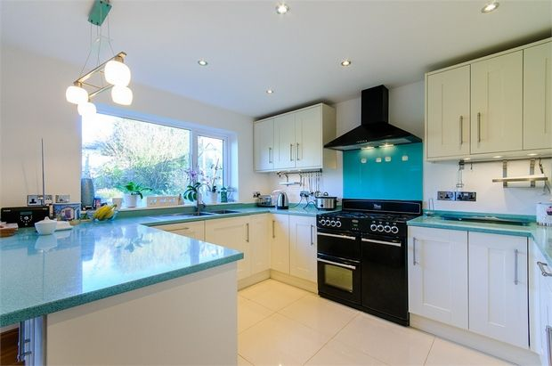 Thumbnail Detached house for sale in Cumberland Avenue, Broadstairs