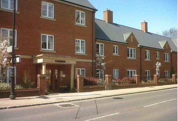 Thumbnail Property to rent in Newton Court, Olney
