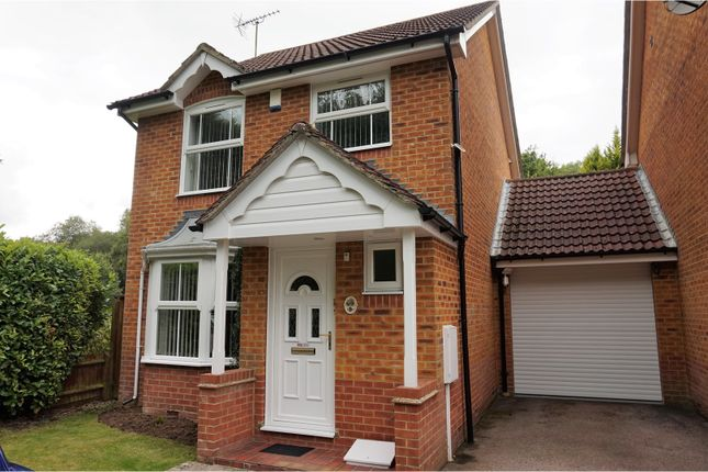 Thumbnail Detached house for sale in Tullett Road, Crawley