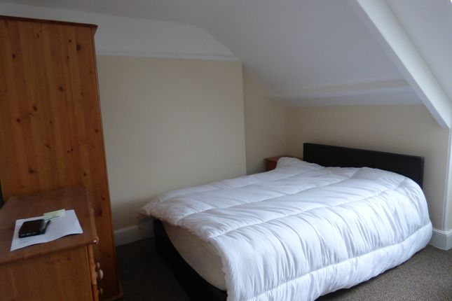 7 bed shared accommodation to rent in Sea View Terrace, Lipson, Plymouth