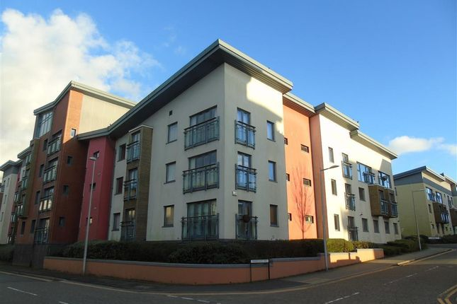 2 bedroom flat to rent in St Catherines Court, Maritime Quarter, Swansea