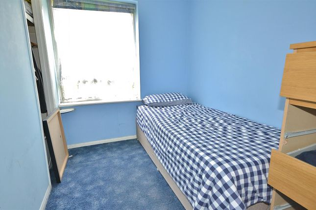 Bedroom of Youngs Road, Ilford IG2