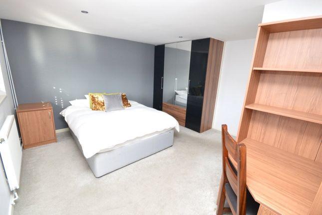 Bedroom 1 of Munnings Gardens, Isleworth TW7