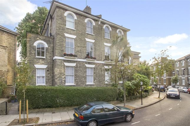 Picture No. 08 of Richmond Crescent, London N1