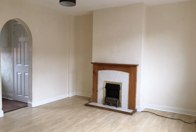 Thumbnail End terrace house to rent in Bryant Avenue, Slough