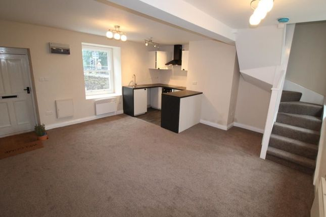 Thumbnail Property to rent in Ovenden Road, Ovenden, Halifax