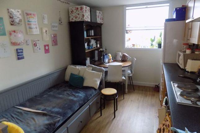 Lounge/Kitchen of Cheapside, Bradford BD1