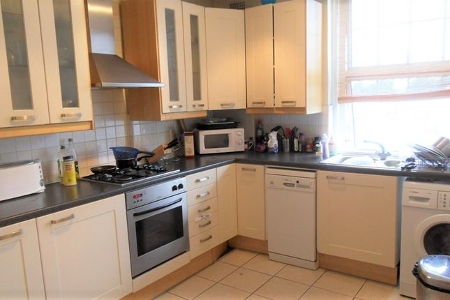 Thumbnail Flat for sale in Broadlands Mansions, Broadlands Avenue, Streatham Hill, London