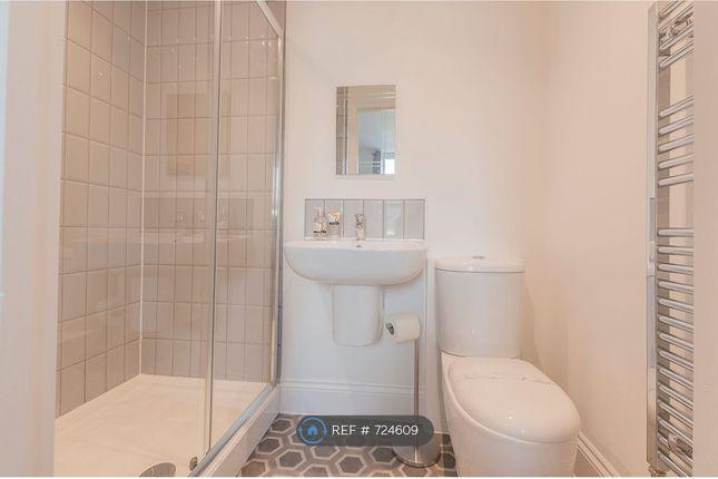 Room 2 En-Suite of Lipson Road, Plymouth PL4