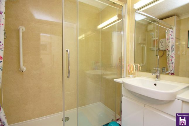 Shower Room of Pittville Circus Road, Cheltenham GL52