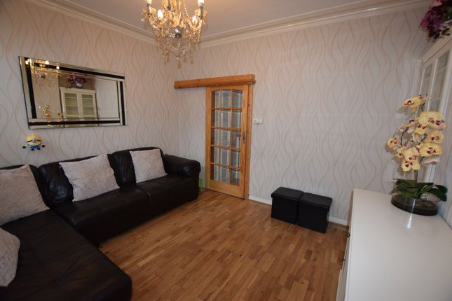 Thumbnail Terraced house to rent in Ivy Grove, Leeds