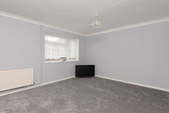 Living Room of Luddenham Close, Ashford TN23