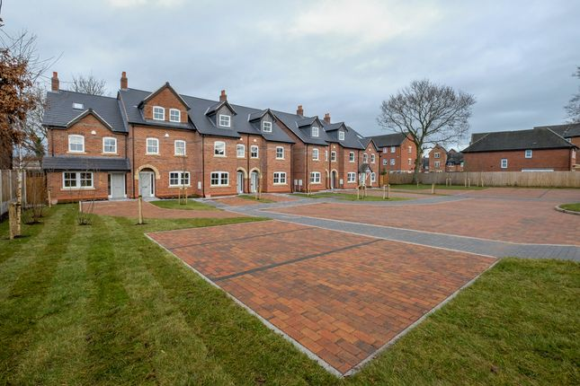 Thumbnail Town house for sale in Cedarfield Road, Lymm
