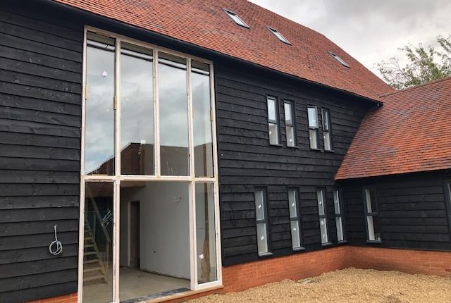 Thumbnail Flat for sale in Hubbards Close, Hillingdon