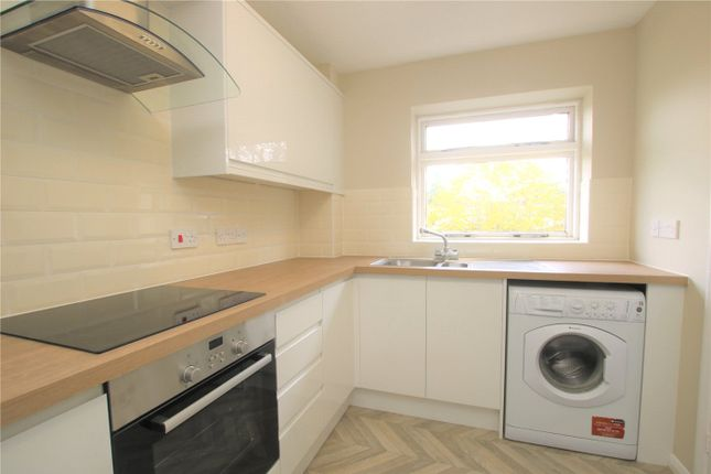 2 bed flat to rent in Southcote Road, Reading, Berkshire RG30