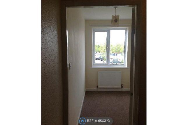 Thumbnail 3 bed flat to rent in Halton, Leeds