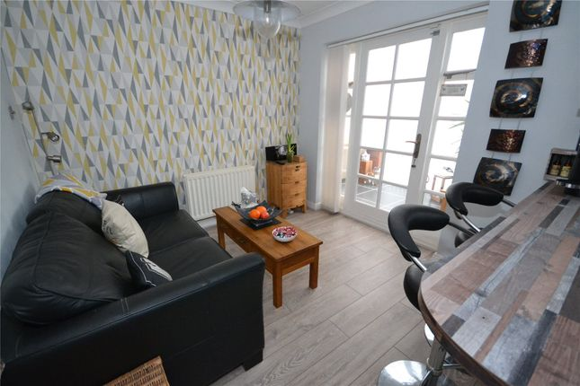 Sitting Area of Howdale Road, Hull, East Riding Of Yorkshire HU8