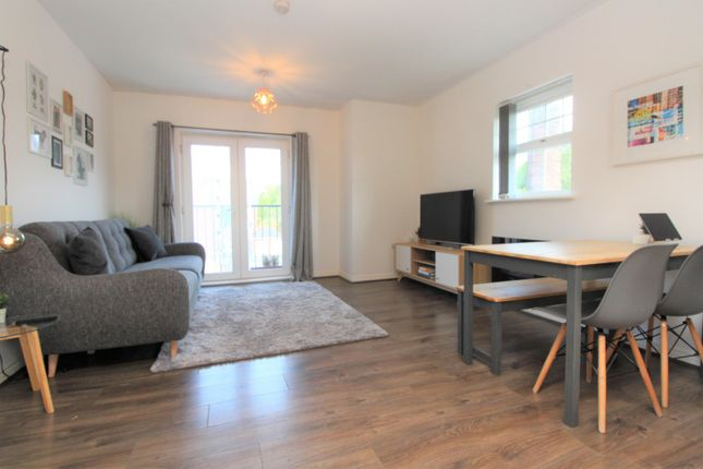 Reception of Stonemere Drive, Radcliffe M26