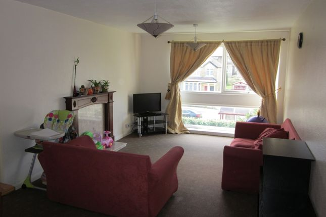 Thumbnail Flat to rent in Beamsley House, Bradford