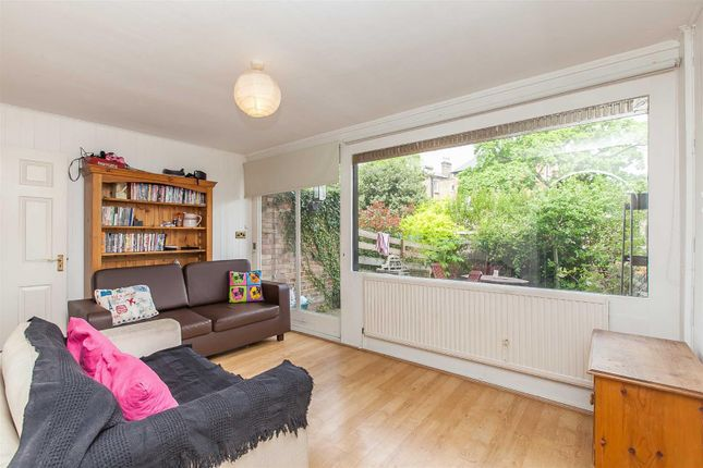 Town house to rent in Trecastle Way, Carleton Road, Tufnell Park