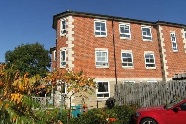 Thumbnail Flat to rent in Waterside, Fairburn, Knottingley