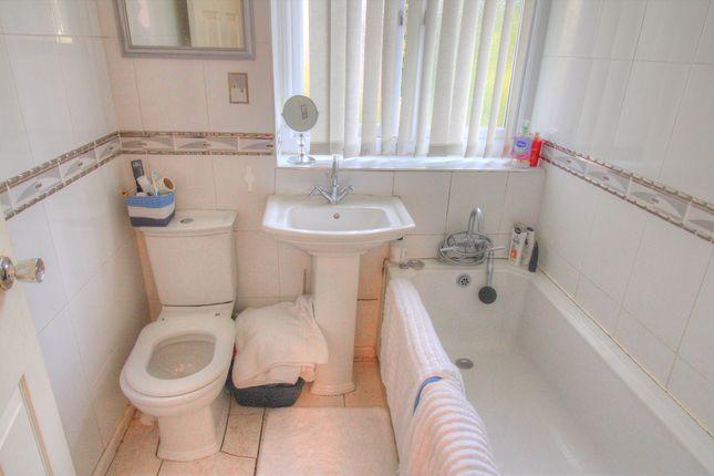 Bathroom of Hale Road, Widnes WA8