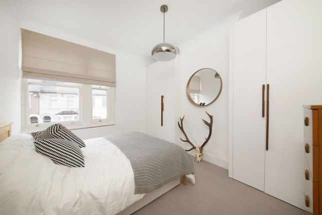 Thumbnail Flat for sale in Parish Lane, Penge
