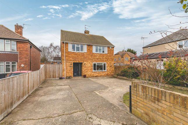 Thumbnail Detached house for sale in Dedworth Road, Windsor