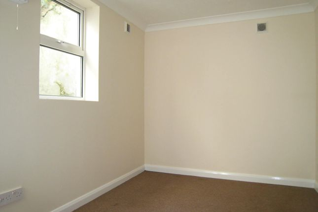 2 bed flat to rent in Elm Grove, Brighton