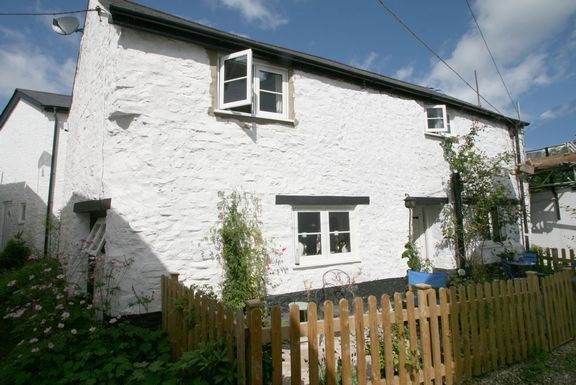 Thumbnail Cottage for sale in Mary Lane, Bampton, Tiverton