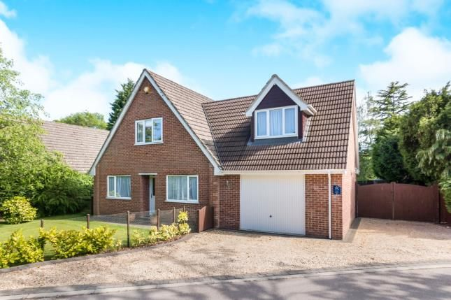 Thumbnail Bungalow for sale in Tadley, Hampshire, England