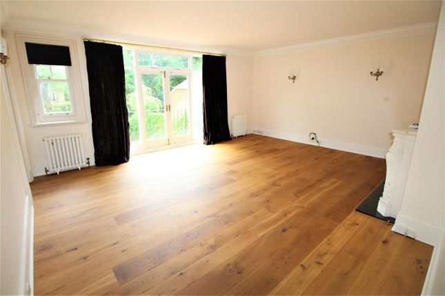 Thumbnail Flat to rent in Portmore Park Road, Weybridge