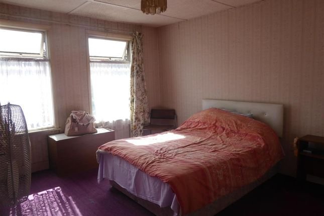Semi Detached House For In The Nursery Erith Kent