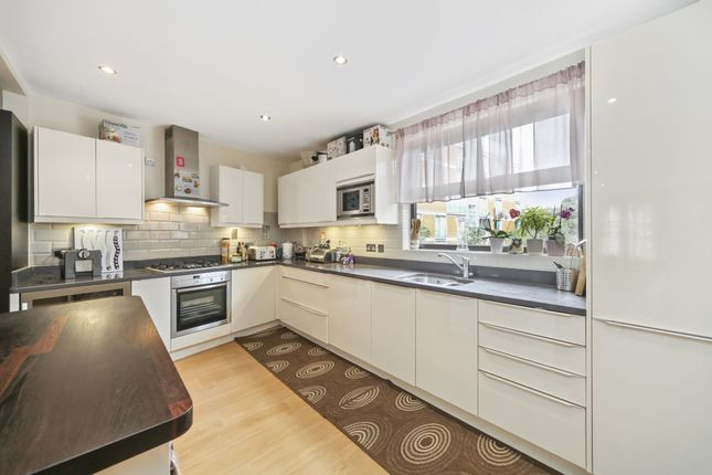 Thumbnail End terrace house to rent in Wapping Wall, London
