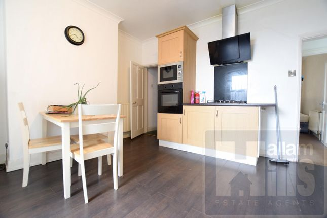Thumbnail Shared accommodation to rent in Springvale Road, Sheffield, South Yorkshire