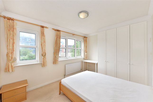 3 bed end terrace house to rent in Denham Street, London SE10