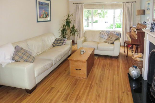 4 bed detached house for sale in Manor Way, Hail Weston, St. Neots