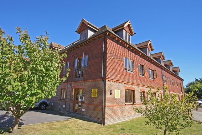 Thumbnail Flat for sale in Colemans Way, Hurst Green, Etchingham