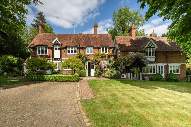 Thumbnail Property for sale in Lammas Lane, Esher