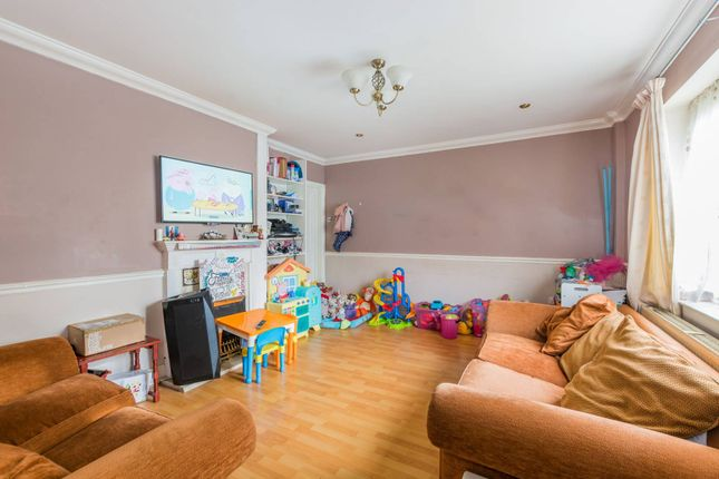 Property for sale in Arundel Close, Forest Gate, London