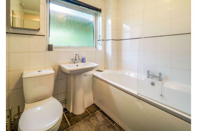 Bathroom of Seaford Close, Ruislip HA4