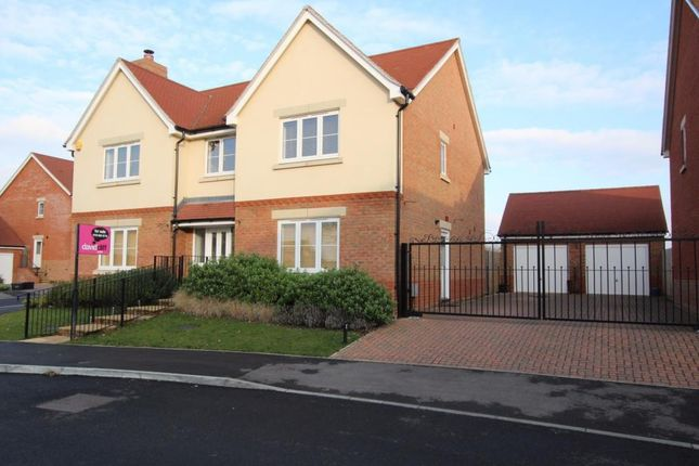 Thumbnail Detached house for sale in Columba Gardens, Wokingham